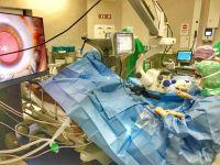 Les ophtalmologistes du centre ophtalmologique des Arceaux se dotent du matériel chirurgical le plus avancé